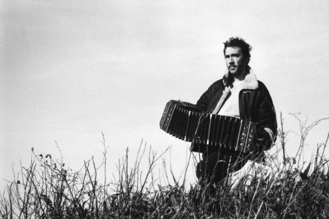 Personaggi Fermani - 1 – Il musicista Daniele di Bonaventura con il suo bandoneon, Fermo 2012