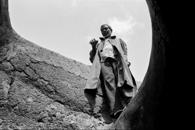 AFRICA - 2 – Anziano del villaggio, Lobi, Costa D'Avorio, 1978