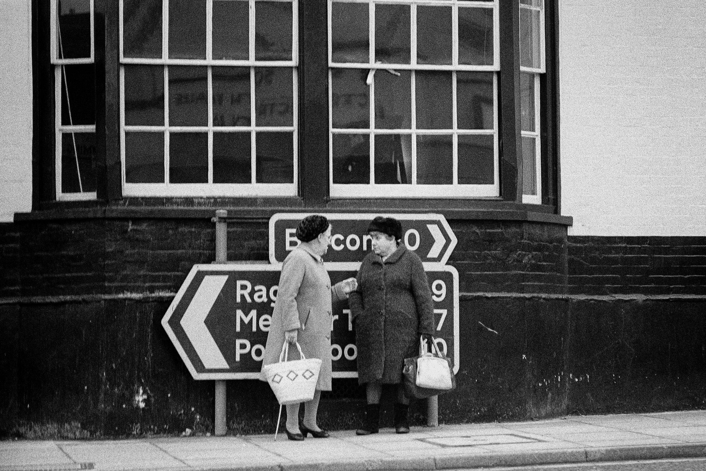 IRLANDA - 2 – Le amiche, Belfast, 1968