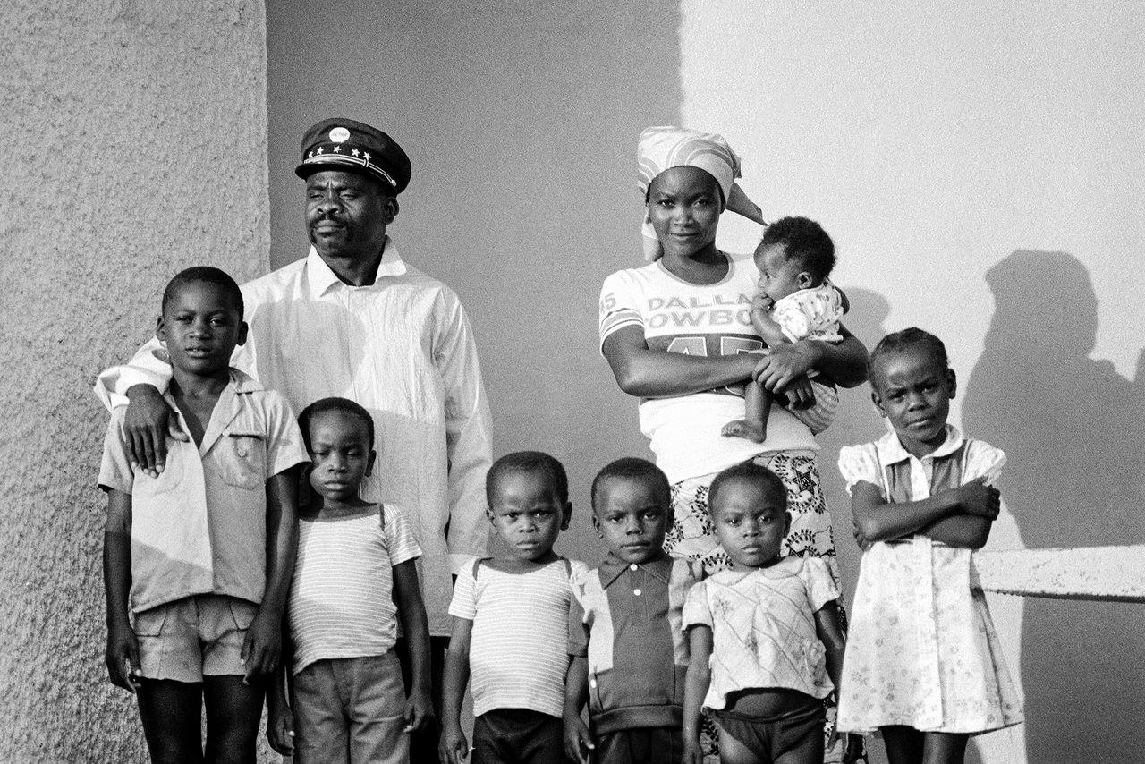 027 La famiglia del ferroviere, Gabon, 1978