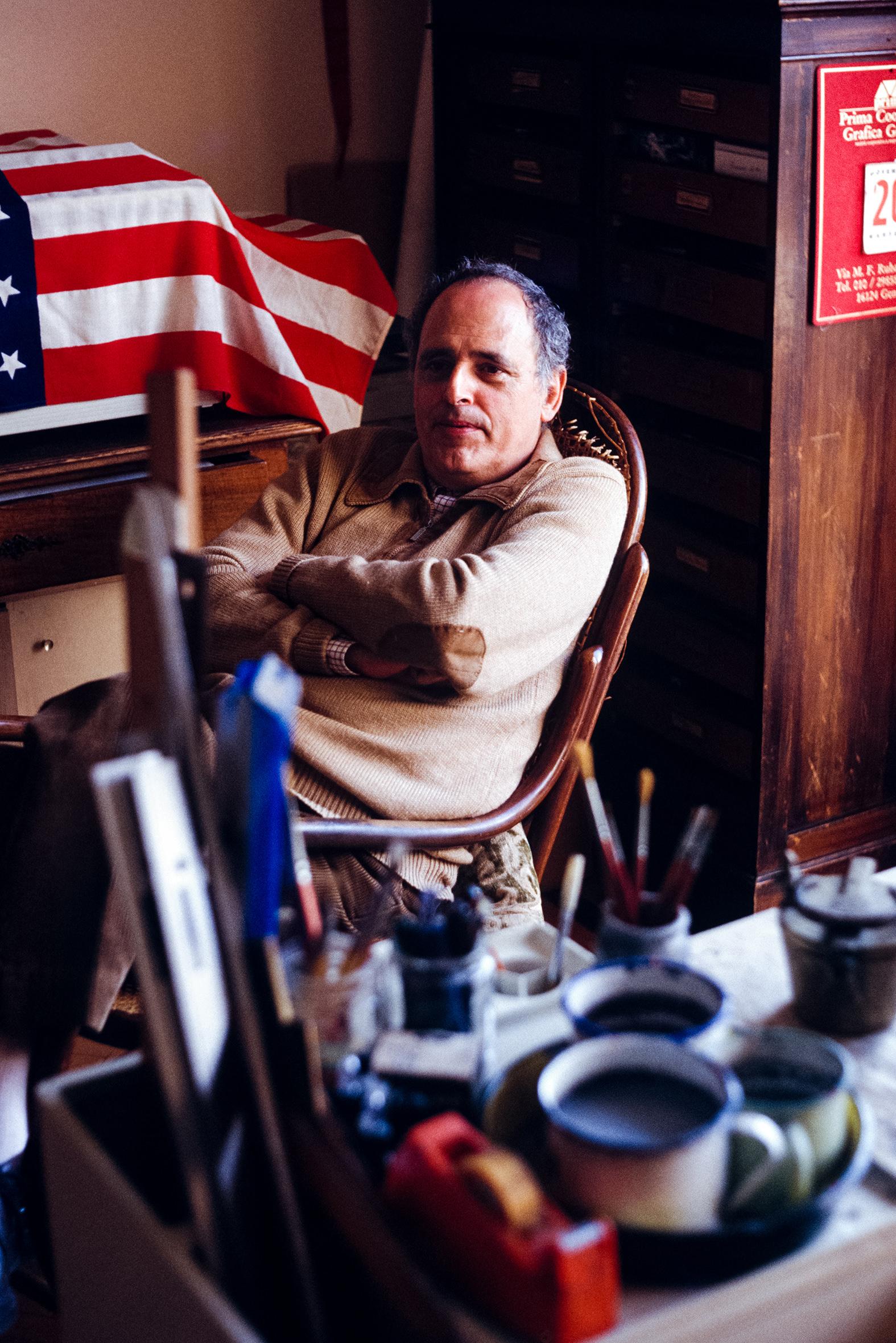 GRAFICI a colori - 4 – Flavio Costantini nella sua casa studio, Rapallo, anni '90