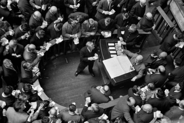 BORSE VALORI - 4 – 5 – 6 – 7 – La Borsa Valori di Parigi, 1973