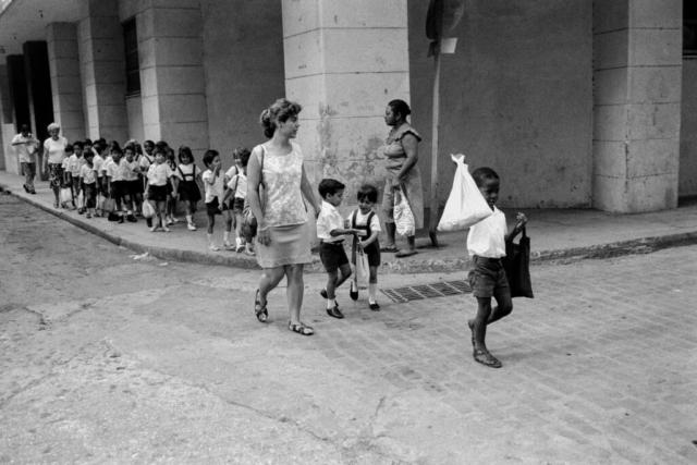 CUBA - 6 – La classe verso la scuola, L'Avana, 1992