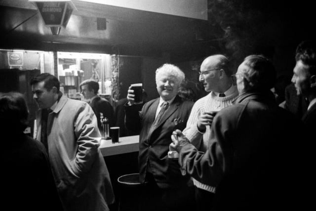 IRLANDA - 9 – Al pub, Belfast, 1968