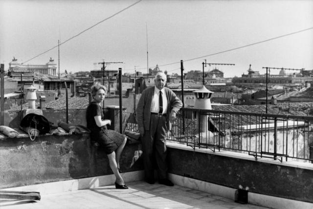 Giorgio De Chirico (1888-1978) Il pittore e la moglie Isabella Far sul suo terrazzo Roma, 1960