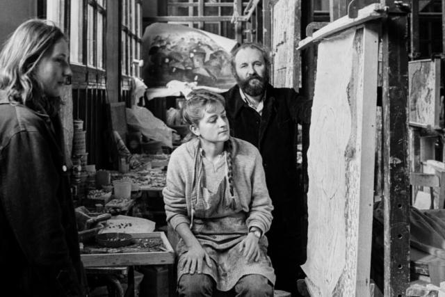 Riccardo Licata (1929-2014) L'artista nel suo studio con allievi Venezia, fine anni '70