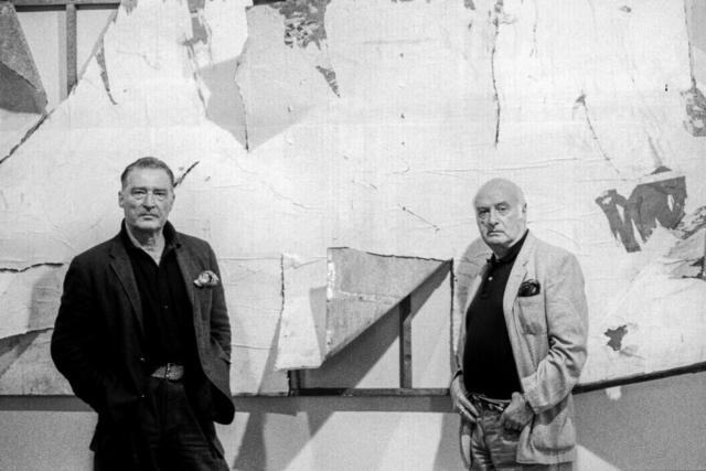 Emilio Tadini (1927-2002) Mimmo Rotella (1918-2006) I pittori davanti ad un'opera di Rotella Milano, 1990